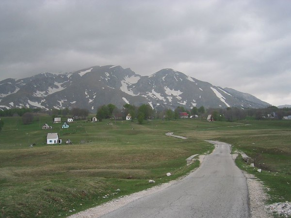 Road to Durmitor.jpg