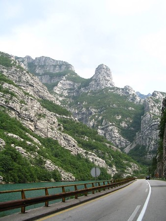 Road close to Mostar.jpg