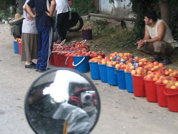 fruit vendors.jpg