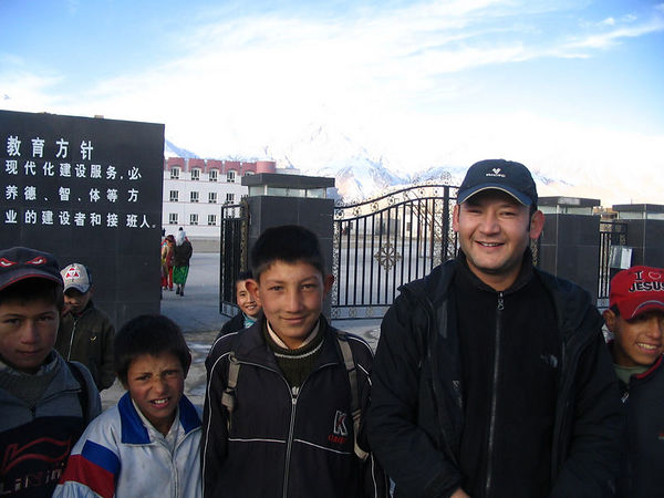 Iskander and Tashkurgan school kids